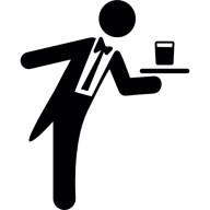 serveur-servant-un-verre-sur-un-plateau_318-29153